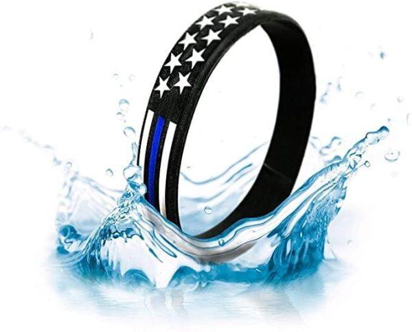 B-Bracelet-hitting-water